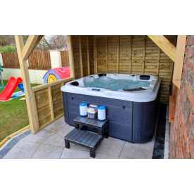 How A Hot Tub Benefits Your Health