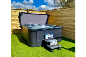hot tub in the sun