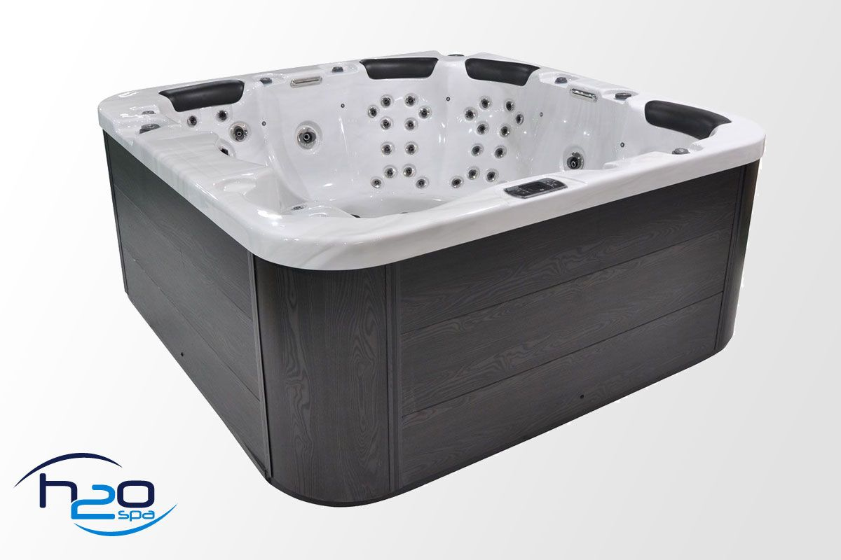 Harmony Deluxe Hot Tub