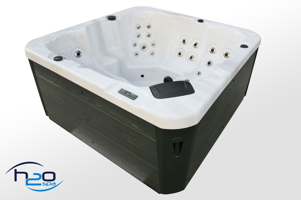 Retreat 13A Plug & Play Hot Tub