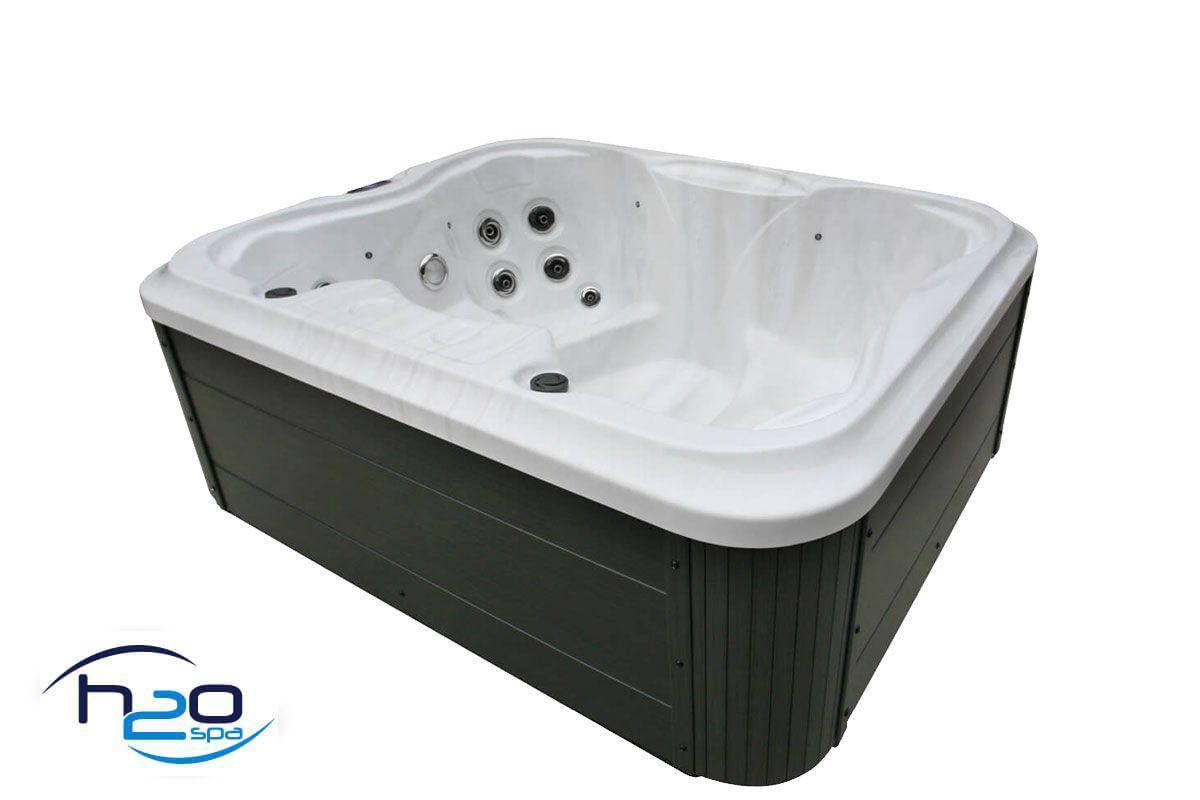 H2O 2000 Series Plug & Play Hot Tub