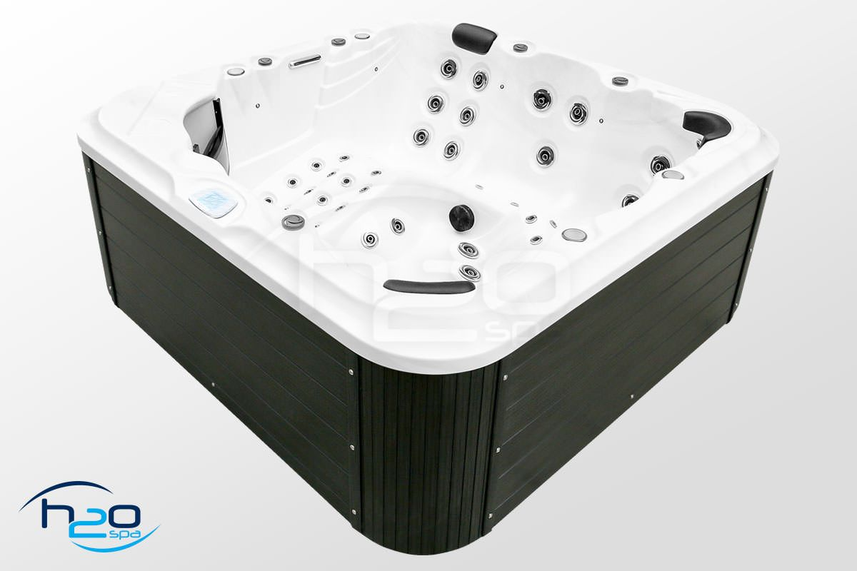 H2O 6000 BWA Series Twin Pump Luxury Hot Tub - 2019 Model