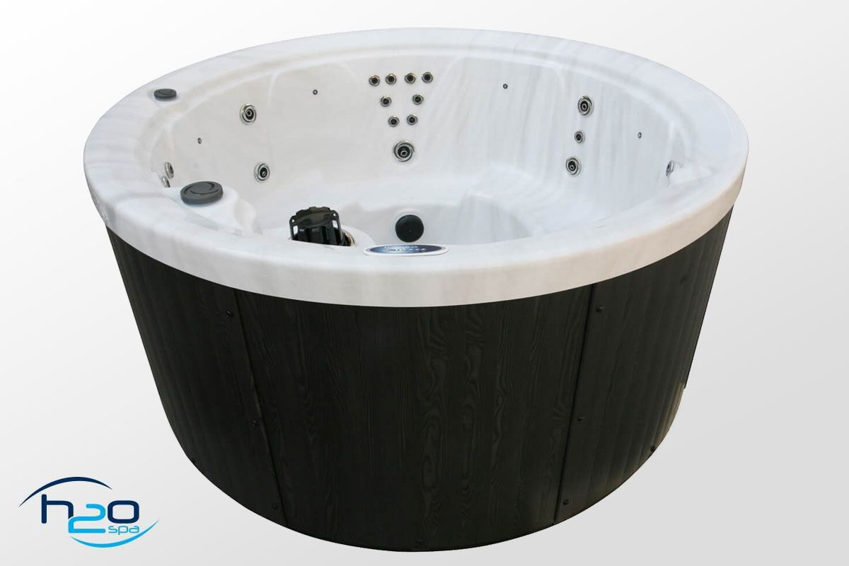 H2O 1000 Series Plug and Play Hot Tub