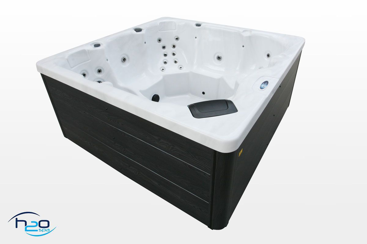 H2O 2500 Series Hot Tub - 2019 Model