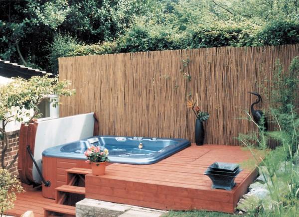 Hot tub enclosure ideas for your garden h2o spa hot tubs - Garten jacuzzi ...