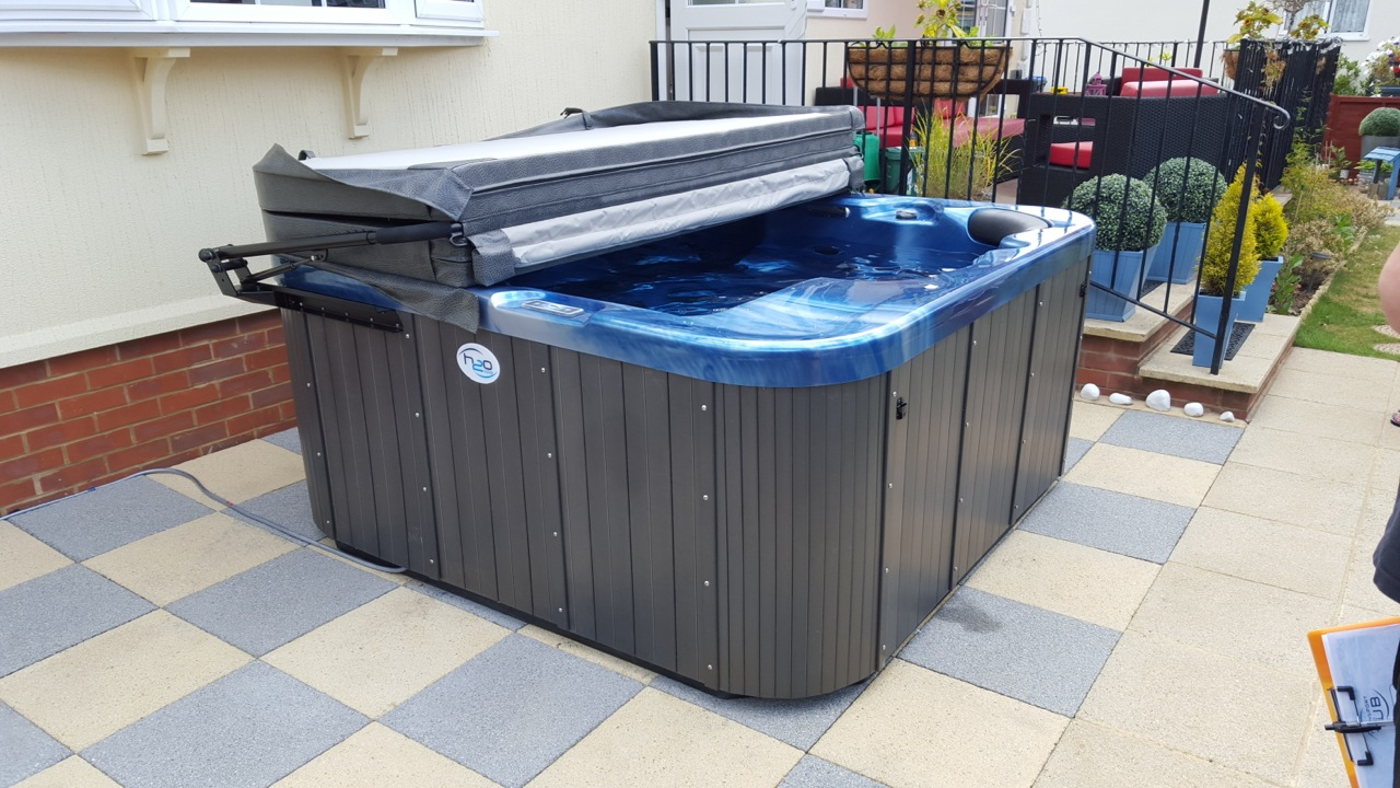 blue hot tub